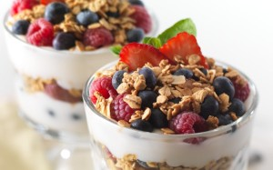iogurte-granola-frutas