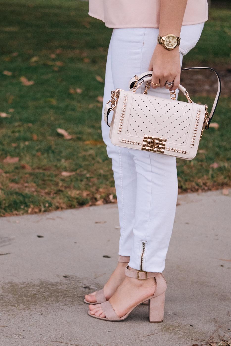 Debora Dahl with white zaful bag